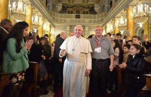 Pope Francis meets refugees