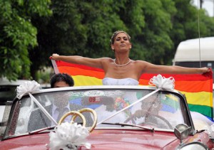 TRANSEXUAL AND GAY GET MARRIED IN CUBA