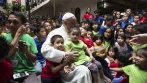 Pope_Francis_at_Street_children_centre