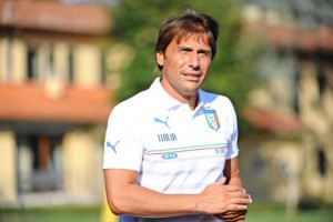 Italian national soccer team's head coach Antonio Conte attends the team's training session at Coverciano Sports Center in Florence, Italy, 31 August 2015. ANSA/MAURIZIO DEGL INNOCENTI