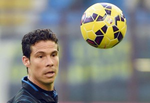 Inter's Brazilian midfielder Anderson Hernanes runs for the ball during the Serie A soccer match between Inter and Genoa at the Giuseppe Meazza stadium in Milan, Italy, 11 January 2015.ANSA/DANIEL DAL ZENNARO