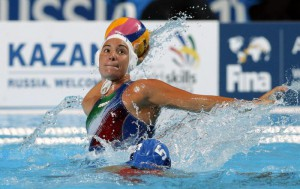 Rosaria Aiello of Italy in action during the women's FINA Water Polo semifinal match between Netherlands and Italy of the FINA Swimming World Championships 2015 in Kazan, Russia, 05 August 2015.  EPA/ANATOLY MALTSEV