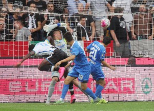 Udinese' forward Duvan Estevan Banguera Zapata scores the first goal of the Italian Serie A soccer match between Udinese Calcio and Empoli FC at Friuli Stadium in Udine, 19 September 2015. ANSA/ LANCIA