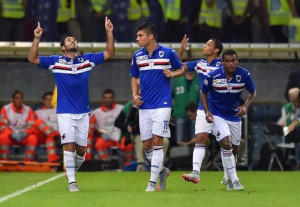 Sampdoria's Brazilian forward Citadin Martins Eder celebrates with his teammates after scoring a goal during the Italian Serie A soccer match Uc Sampdoria vs Bologna Fc at Luigi Ferraris Stadium in Genoa, Italy, 14 September 2015 ANSA/SIMONE ARVEDA