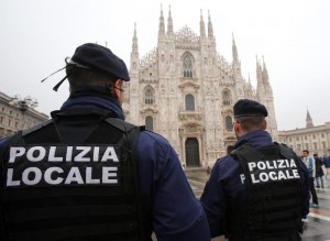 Two local police officers patrol in Duomo Square, Milan, northern Italy, 19 November 2015. ANSA / MATTEO BAZZI