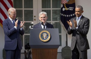 Federal appeals court judge Merrick Garland, receives applauds from President Barack Obama and Vice President Joe Biden as he is introduced as Obama's nominee for the Supreme Court during an announcement in the Rose Garden of the White House, in Washington, Wednesday, (ANSA/AP Photo/Pablo Martinez Monsivais)
