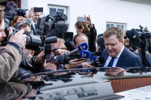 Iceland's Prime Minister Sigmundur David Gunnlaugsson leaves the residence of Iceland's President President Olafur Ragnar Grimsson after a meeting of the two 05 April 2016 in Reykjavik, Iceland. Prime Minister Sigmundur David Gunnlaugsson resigned 05 April 2016 EPA/BIRGIR POR HARDARSON ICELAND OUT