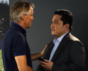Inter's chairman Erick Thohir (R) shakes hands with Inter's head coach Roberto Mancini (L) at the end of a press conference at Appiano Gentile training center, Como district, Italy, 03 July 2015. ANSA / MATTEO BAZZI