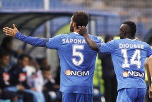Empoli's midfielder Riccardo Saponara (L) celebrates with teammate Empoli's midfielder Assane Diousse fter scoring 1-1 against Napoli during the Italian Serie A soccer match between Empoli FC and SSC Napoli at Carlo Castellani stadium in Empoli, Italy, 13 September 2015. ANSA/Fabio Muzzi