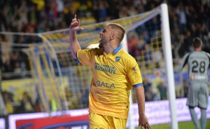 Forward Federico Dionisi of Frosinone Calcio celebrates after scoring goal 1-0 during Italian Serie A soccer match between Frosinone Calcio and Empoli Fc at the Matusa stadium in Frosinone, Italy, 28 September 2015.  ANSA / MAURIZIO BRAMBATTI