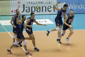 Italian players celebrate a point during the third round match between Italy and Argentina at the FIVB Volleyball Men's World Cup in Tokyo, Japan, 22 September 2015.  EPA/KIYOSHI OTA