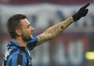 Inter Milan's midfielder Marcelo Brozovic celebrates after scoring 2-0 during the round of sixteen Italy Cup soccer match between  Inter Milan and Cagliari at the Giuseppe Meazza stadium in Milan, Italy, 15 December 2015. ANSA/DANIEL DAL ZENNARO