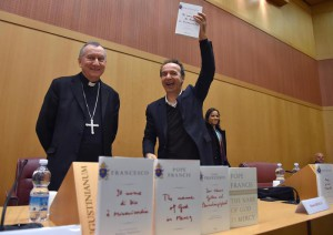 Italian actor Roberto Benigni and Cardinal Piero Parolin arrive for the presentation of the book ' The name of God is Mercy' (Il nome di Dio e' Misericordia), Rome, Italy, 12 January 2016.  ANSA/ETTORE FERRARI