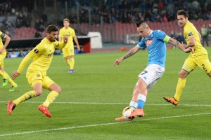 Napoli's midfielder Marek Hamsik kicks the ball during the UEFA Europa League soccer match between SSC Napoli and Villarreal CF at the San Paolo stadium, Naples, Italy, 25 February 2016. ANSA / CIRO FUSCO