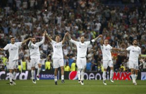 Real Madrid players celebrate their victory against Manchester City at the end of the UEFA Champions League semi final, second leg soccer match between Real Madrid and Manchester City at Santiago Bernabeu stadium in Madrid, Spain, 04 May 2016. Real Madrid won 1-0.  EPA/JUAN CARLOS HIDALGO