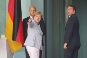 German Chancellor Angela Merkel (2-L) receives Italian Preime Minister Matteo Renzi (R) for talks following the Britain's referendum vote to leave the EU, in Berlin, Germany, 27 June 2016.  EPA/KAY NIETFELD