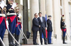 Italian Prime Minister Matteo Renzi at the Elysee Palace for a meeting with French President Francois Hollande, Paris, 25 June 2016. ANSA/PALAZZO CHIGI PRESS OFFICE-TIBERIO BARCHIELLI