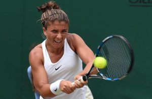 Sara Errani of Italy returns to Alize Cornet of France during their second round match at the Wimbledon Championships at the All England Lawn Tennis Club, in London, Britain, 30 June 2016  EPA/GERRY PENNY