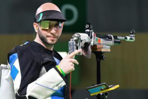 Italy's Niccolo' Campriani competes in the 10m Air Rifle Men's final of the Rio 2016 Olympic Games Shooting events at the Olympic Shooting Centre in Rio de Janeiro, Brazil, 08 August 2016.   ANSA/ETTORE FERRARI
