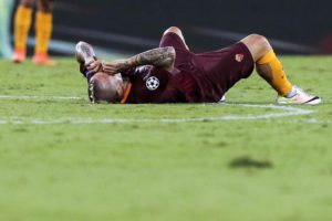 Roma's Radja Nainggolan shows his dejection during the UEFA Champions League Play Off second leg soccer match AS Roma vs FC Porto at Olimpico stadium in Rome, Italy, 23 August 2016. ANSA/ANGELO CARCONI