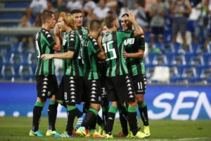 Sassuolo's Gregoire Defrel (R) jubilates with his teammates after scoring the goal ( 3-0 ) during the return soccer match in the third qualifying round of UEFA Europa League between Italian Club US Sassuolo and Swiss Club FC Luzern at Mapei Stadium in Reggio Emilia,Italy,4 August 2016.ANSA/ELISABETTA BARACCHI
