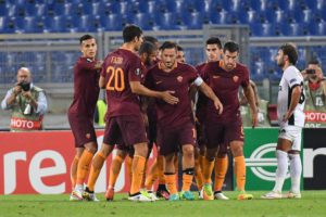 Roma's players jubilates after scoring the goal during the UEFA Europa League soccer match AS Roma vs FC Astra Giurgiu at Olimpico stadium in Rome, Italy, 29 September 2016. ANSA/ALESSANDRO DI MEO