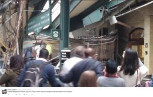Chris Lantero @Chris_Lantero 58 min58 minuti fa Unbelievable scene in Hoboken right now. Train crashed and went straight through the platform into the station.