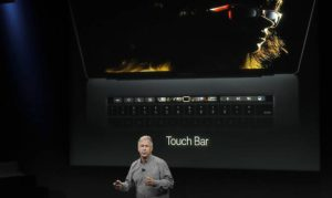 Apple scommette su pc, arriva MacBook Pro con touch bar