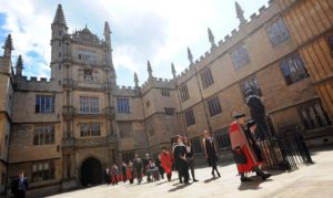 A general view of the scene in  the Quad of the Bodleian Library at Oxford University as Burmese opposition leader Aung San Suu Kyi (C) arrives to receive  an honorary degree at the place she once studied 20 June 2012  EPA/ANDY RAIN