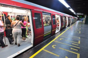 Metropolitana ferma a causa del black out