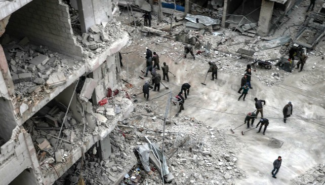 Siria, 400 morti in 2 settimane in raid nella Ghuta