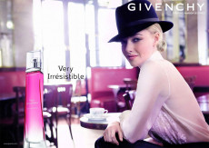 Givenchy: Il profumo, very irresistible woman